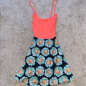 Adorable dress w hot pink/orangish top and flowers